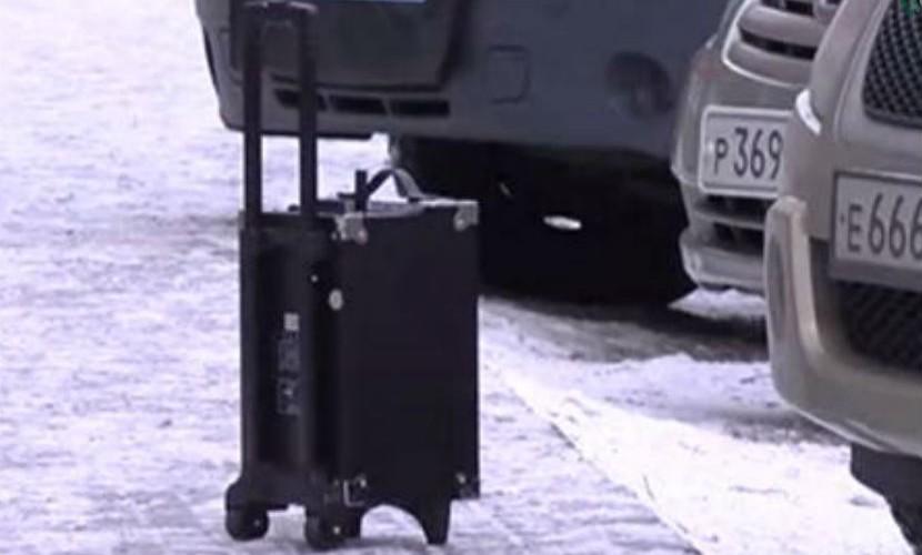 Забытый Дедом Морозом реквизит прохожие приняли за взрывное устройство