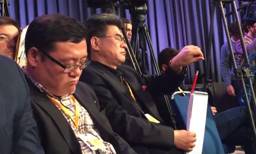 Корейский журналист публично уснул на пресс-конференции Путина