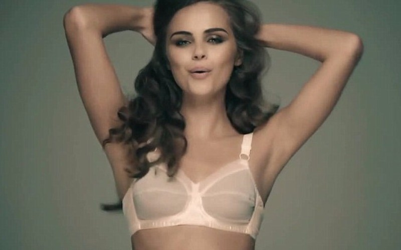 Молдавская модель в нижнем белье спела и потанцевала под песню своего друга Бибера