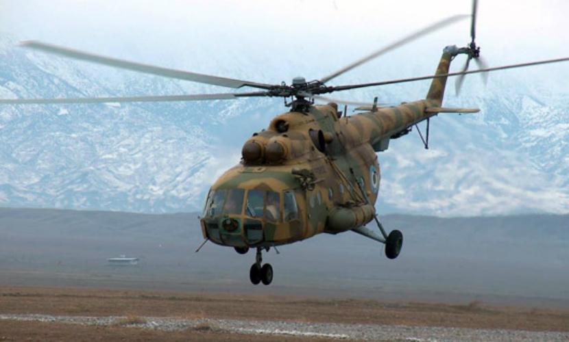 При жесткой посадке на Камчатке вертолет Ми-8 перевернулся на бок