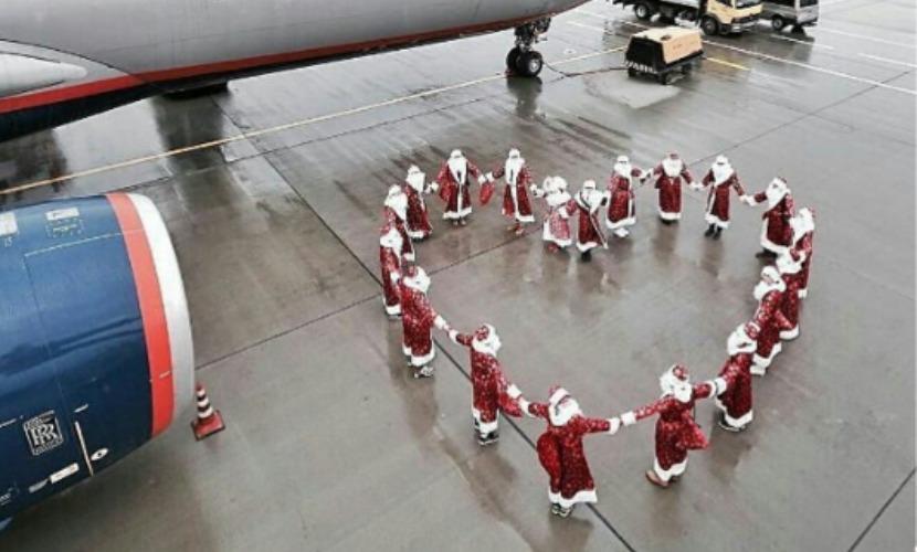 Деды Морозы отправились дарить подарки по стране после инстамита в