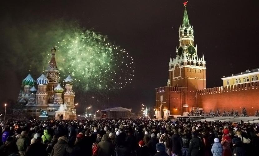 Почти пятая часть опрошенных россиян выступила за сокращение новогодних каникул