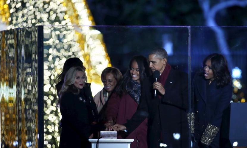 Обама зажег огни на главной елке США и вспомнил о жертвах расстрела в Калифорнии