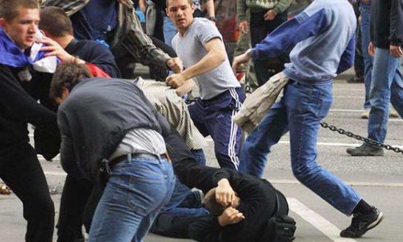 Переселенцы из Луганска с криками «слава Путину» избили «ветеранов АТО» под Одессой