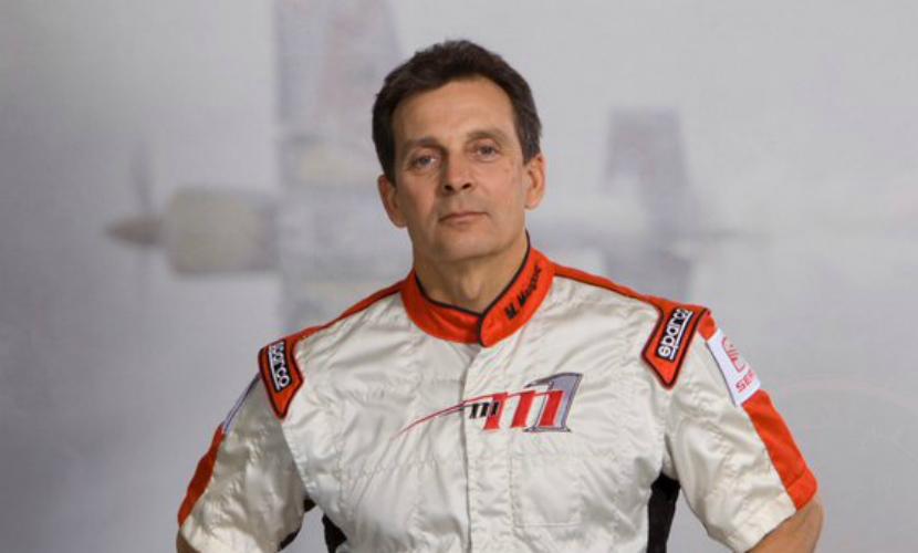 Двукратный чемпион по пилотажным гонкам Майк Мэнголд погиб в авиакатастрофе в Калифорнии