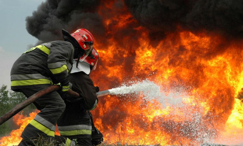 Завод по переработке нефти загорелся в Краснодарском крае