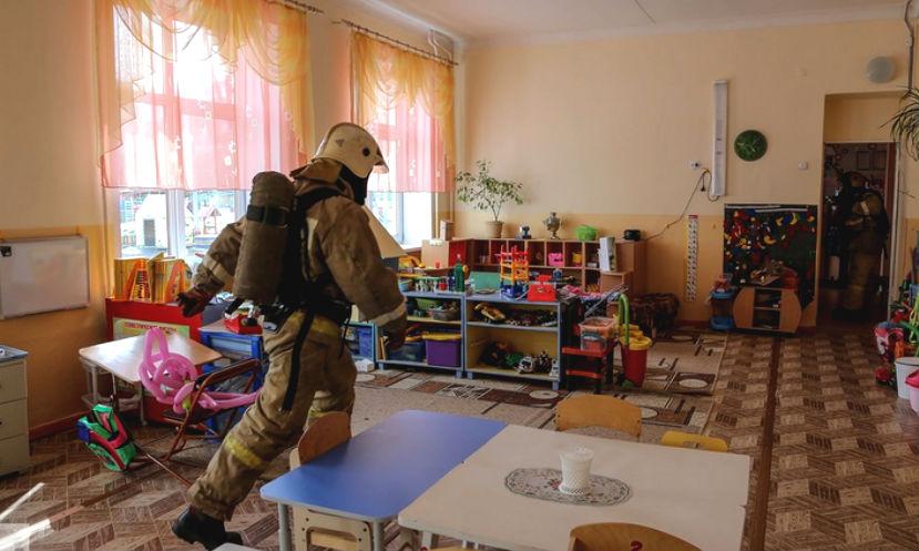 При пожаре в детском саду Подмосковья погиб мужчина