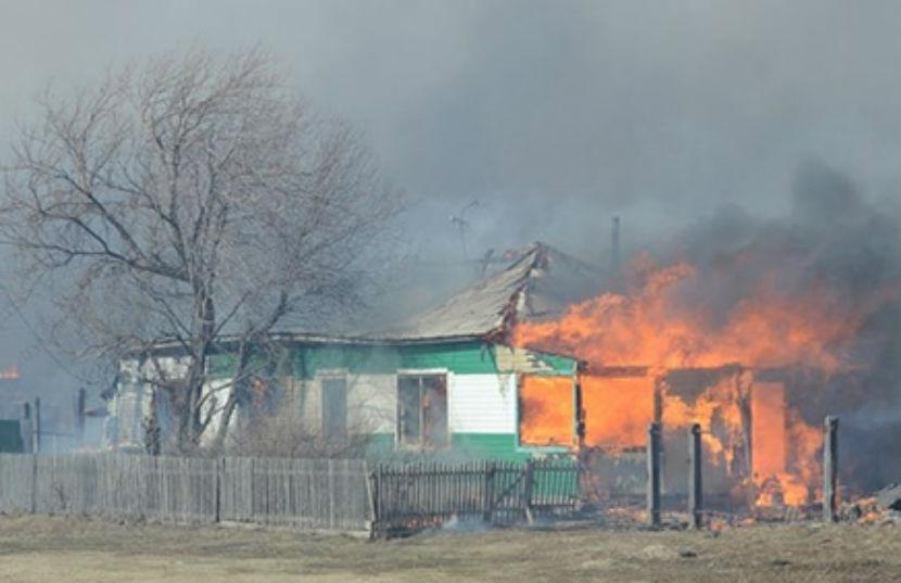 Огонь до неузнаваемости обезобразил четыре жертвы пожара в Абакане