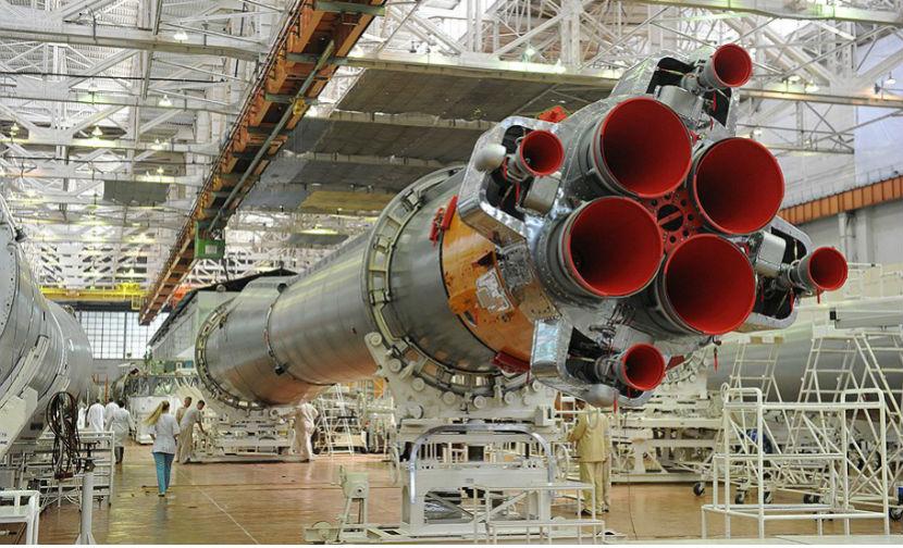 Российские военные запустили ракету-носитель с двумя спутниками
