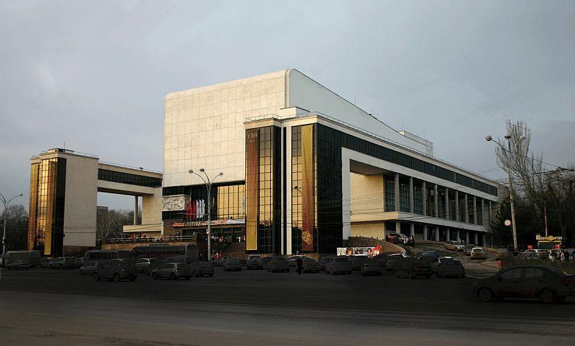 17-летний террорист из Украины собирался взорвать Театр имени Горького в Ростове