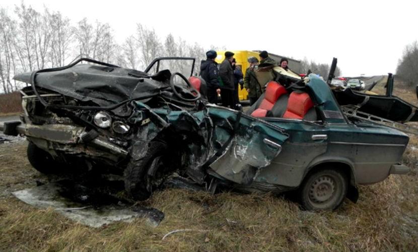 Водитель с двухмесячной дочерью погибли в жутком ДТП под Рязанью