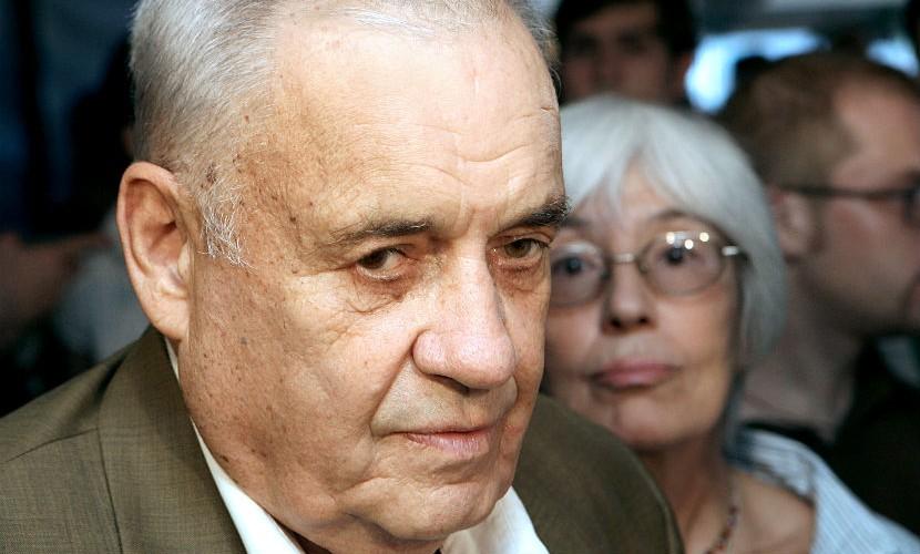 Эмма с Михалковым нарушили завещание Рязанова похоронить его возле любимой женщины, - Садальский