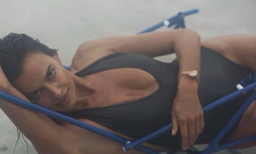 Ирина Шейк снялась для календаря в откровенном видео на пляже в Нью-Йорке