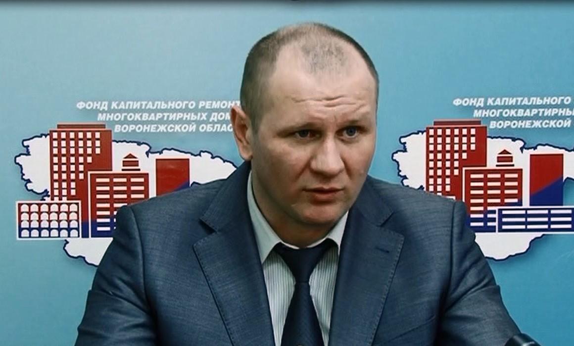 Скандальный чиновник едет в Крым помогать главе республики в ЖКХ