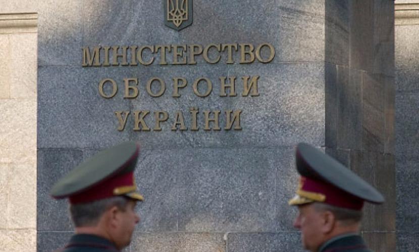 Министр обороны Украины решил избавиться от солдат-пьяниц и генералов-халтурщиков