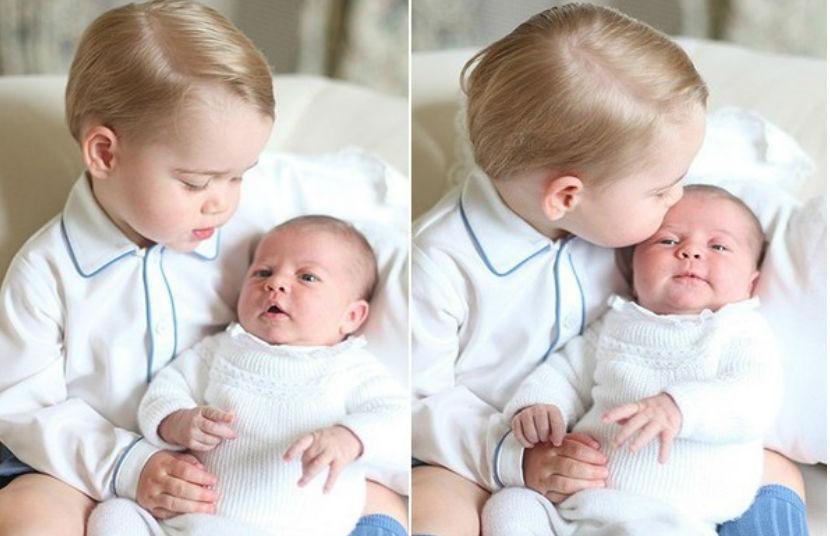 Принц Джордж с недавно родившейся сестренкой