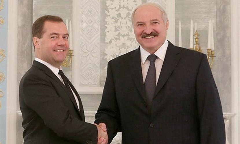 Медведев и Лукашенко обсудили способы борьбы с кризисом
