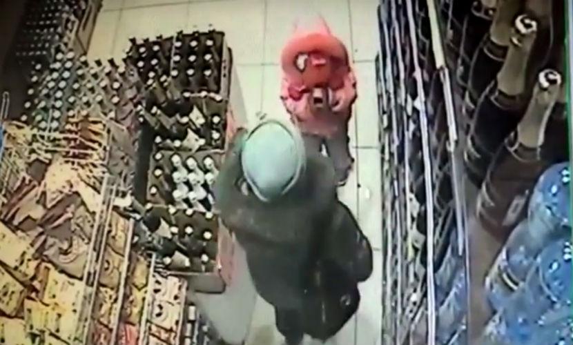 Видео с избиением девочки матерью-садисткой в Череповце проверяют следователи