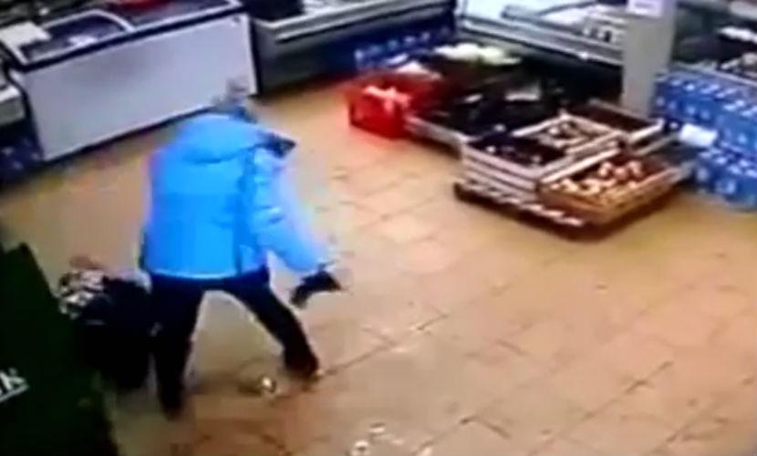 Мать жестоко избила ребенка из-за 2 тысяч рублей в магазине ЯНАО