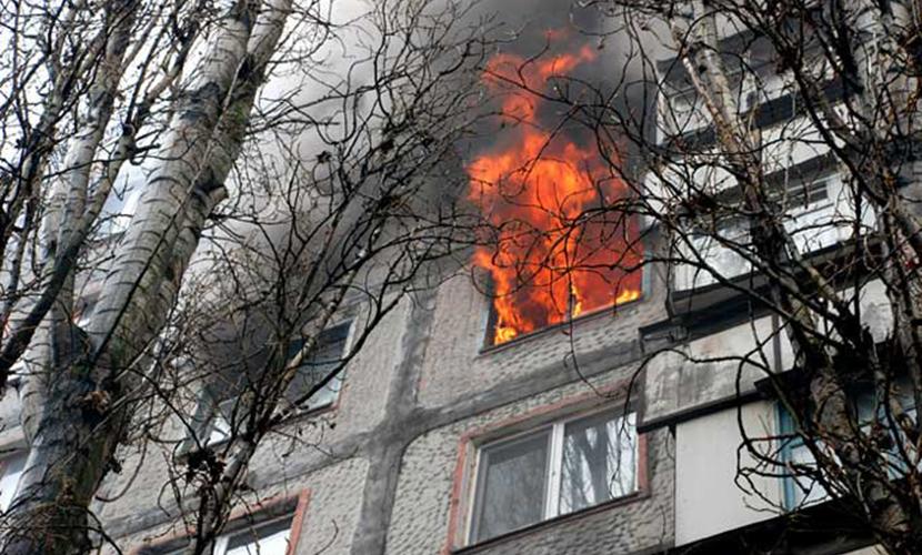 Двое детей погибли при пожаре в пустой квартире в Питере