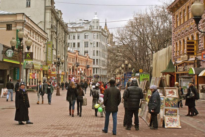 Московские власти разогнали арбатских художников