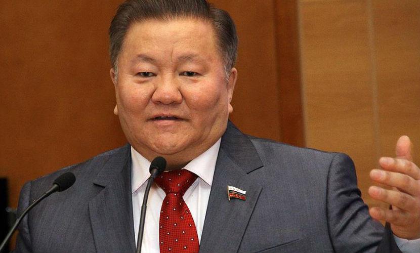 Тумусов обвинил Жириновского в оскорблении кавказцев