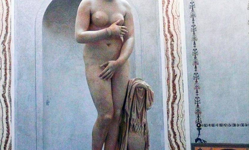 Обнаженные статуи в музее Рима спрятали от президента Ирана