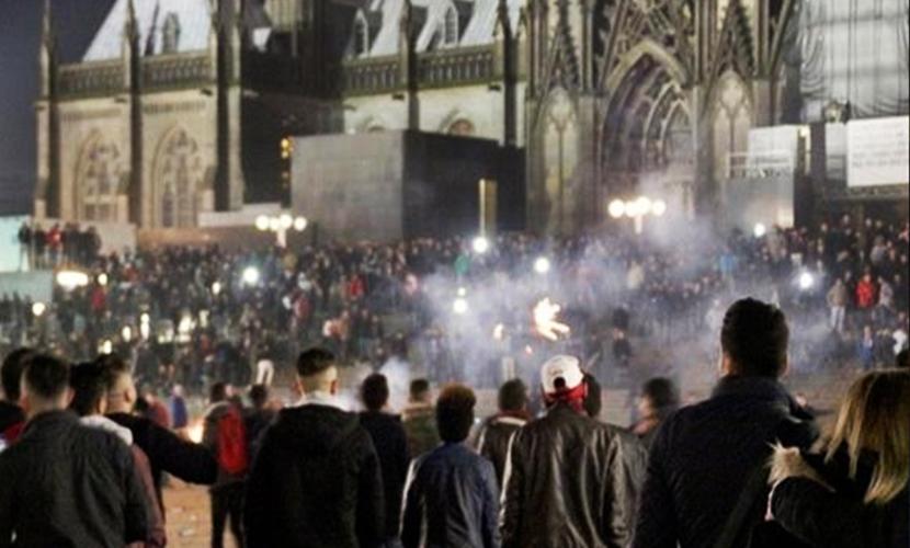 В новогоднюю ночь в Кельне мигранты поиздевались над тысячью немцев