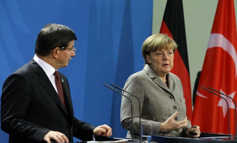 Меркель раскритиковала Турцию за