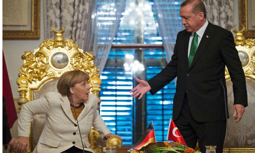 Турции еще рано думать о Евросоюзе, - Меркель