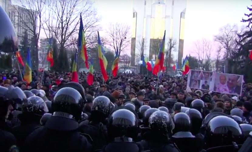 Противозаконное избрание правительства в Молдавии вызвало массовый протест