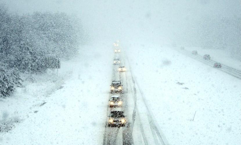 Трассу Оренбург - Орск опять закрыли из-за метели