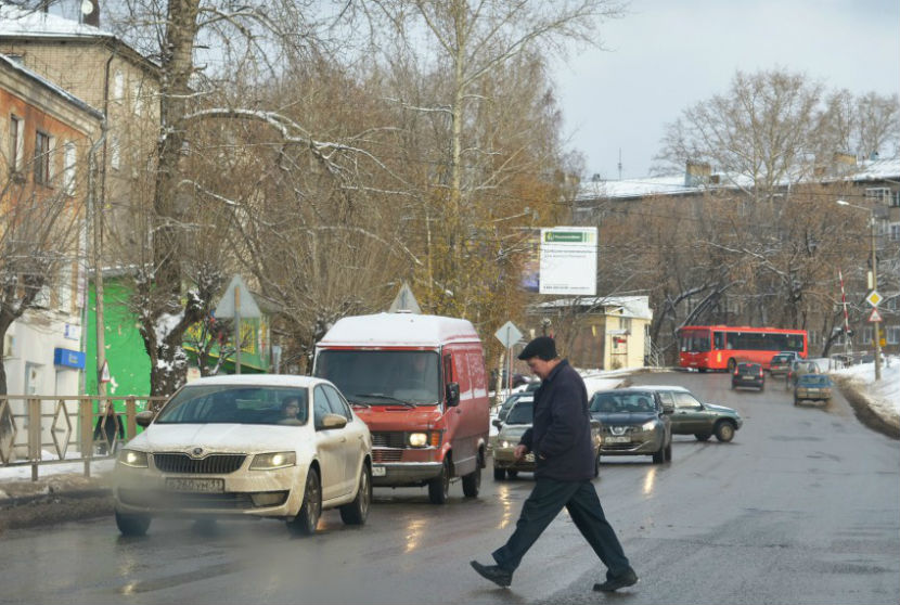 Влюбленные школьники пытались убить таксиста, чтобы сбежать на его машине