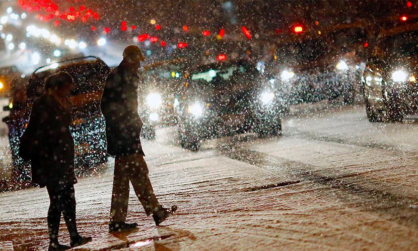 Сильнейшая за 100 лет снежная буря парализовала США