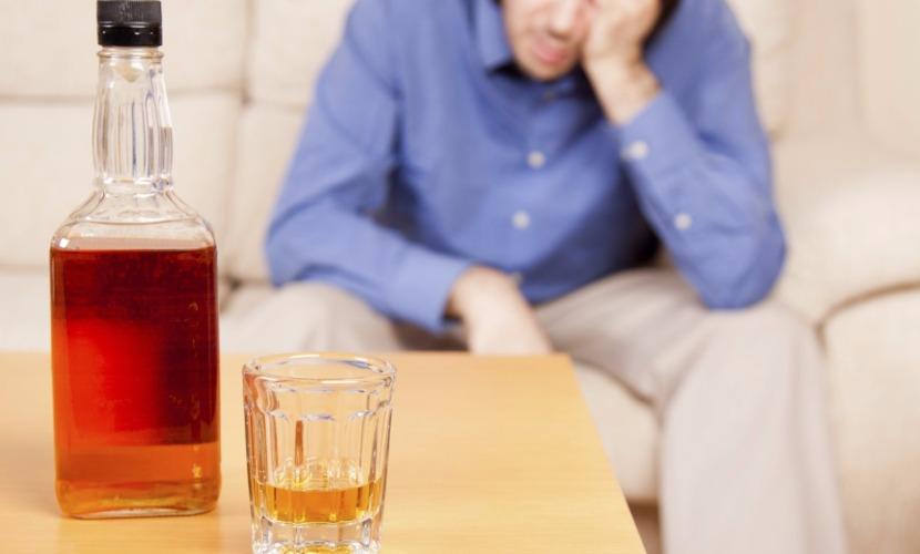 Жители страны стали меньше выпивать и умирать от этого, - Роспотребнадзор