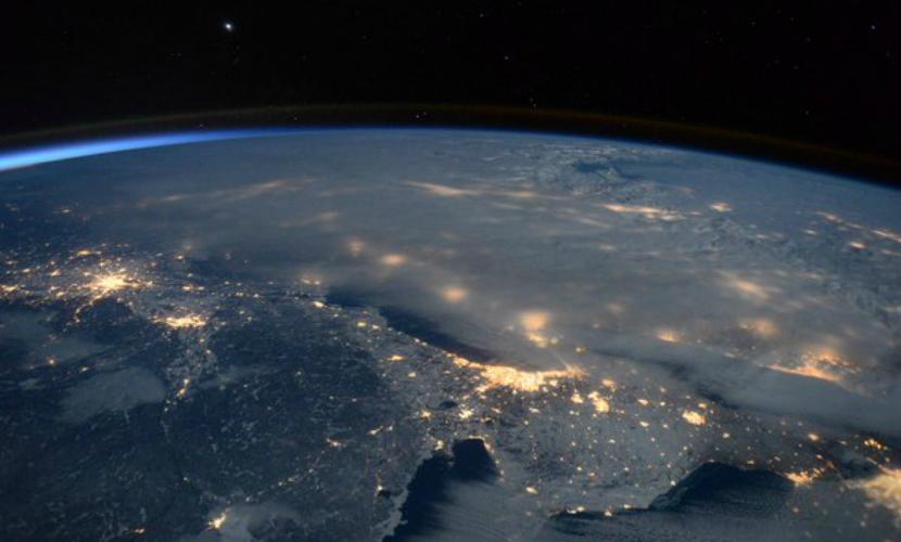 Астронавт опубликовал фото снежной бури в США с борта МКС