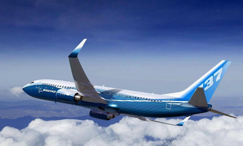 Пассажирский «Боинг» совершил экстренное приземление в Самаре из-за отказа двигателя