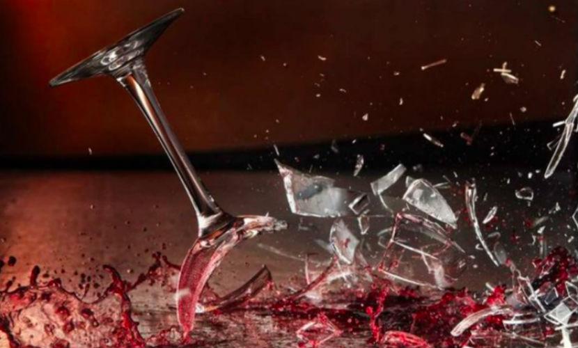 В Петербурге гражданин Турции напал на женщину с фужером из-под шампанского