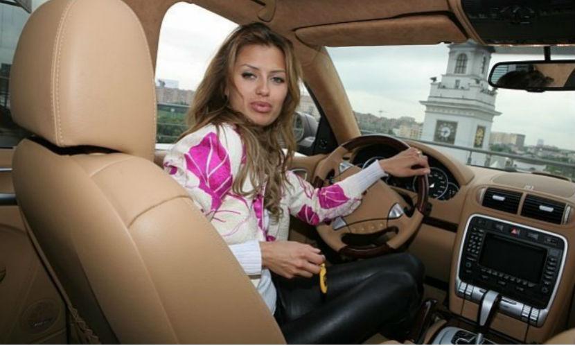 На звезду «Дома-2» и жену ирландского миллионера Викторию Боню завели дело
