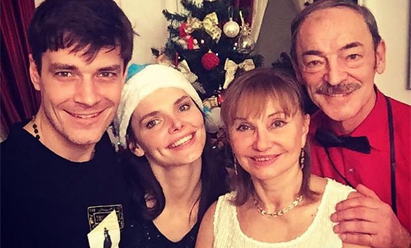 Елизавета Боярская публикацией семейного фото опровергла развод с Максимом Матвеевым