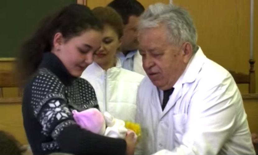 Первую родившуюся с начала войны в Донецке тройню назвали в честь ДНР