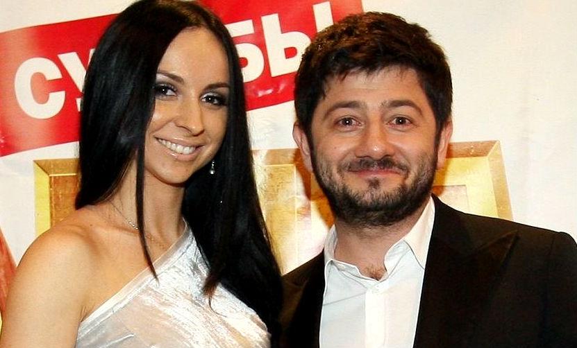 Красавица-жена Михаила Галустяна после «ночного» запрета неожиданно преобразилась
