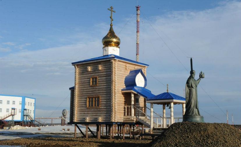 Военнослужащие из Арктики получили два храма