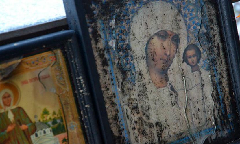 Сверхъестественная сила уберегла иконы и Библию от пожара под Новосибирском