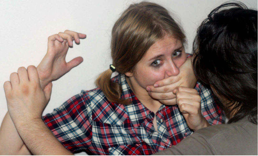 Педофил в Уфе делал фото секс-издевательств над приемной дочерью и ее подругами