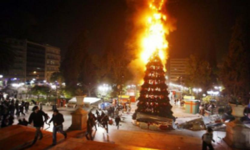 Главная новогодняя елка сгорела в казахстанском Экибастузе