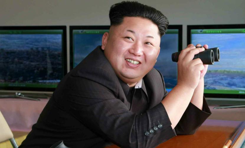 Ким Чен Ын устроил очередное развлечение со стрельбой из пушечных установок