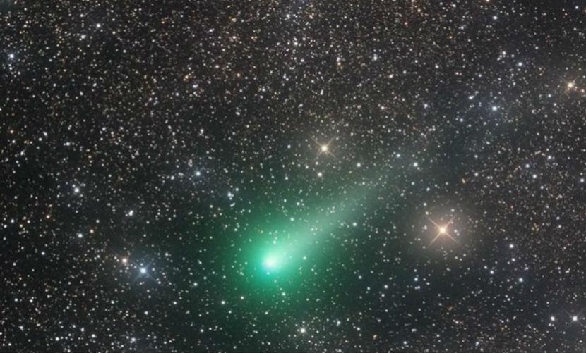 Суперяркая комета