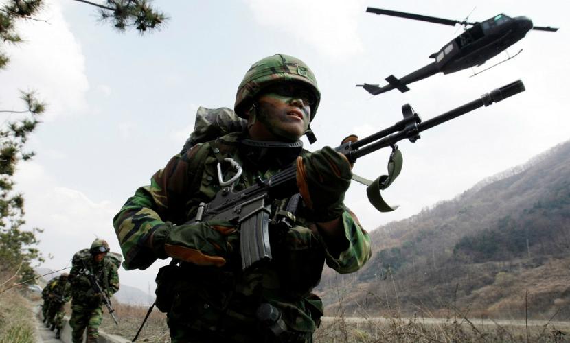 Южная Корея повысила боеготовность и возобновила вещание антисеверокорейской пропаганды на границе с КНДР