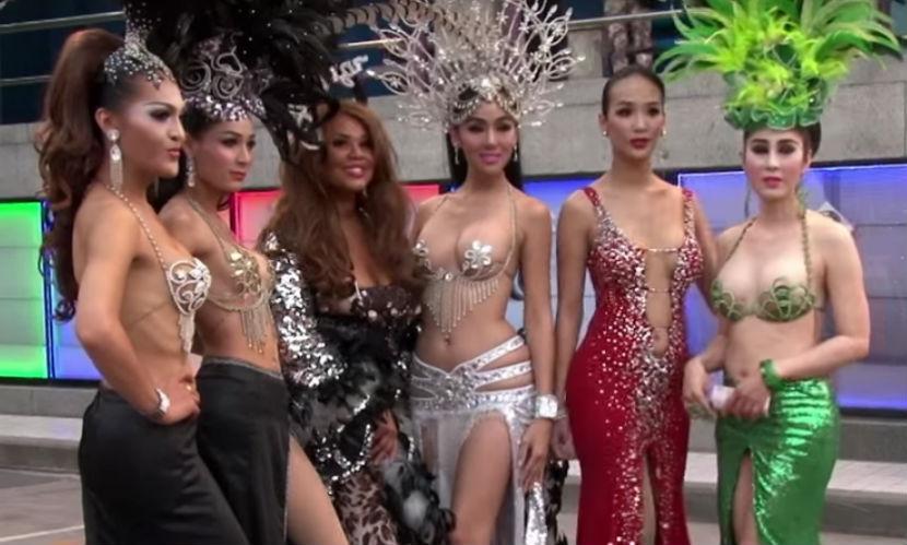 Корнелия Манго на отдыхе в Таиланде стала звездой травести-шоу